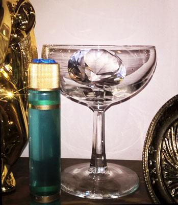 Champagne Glass Hex Close S.jpg