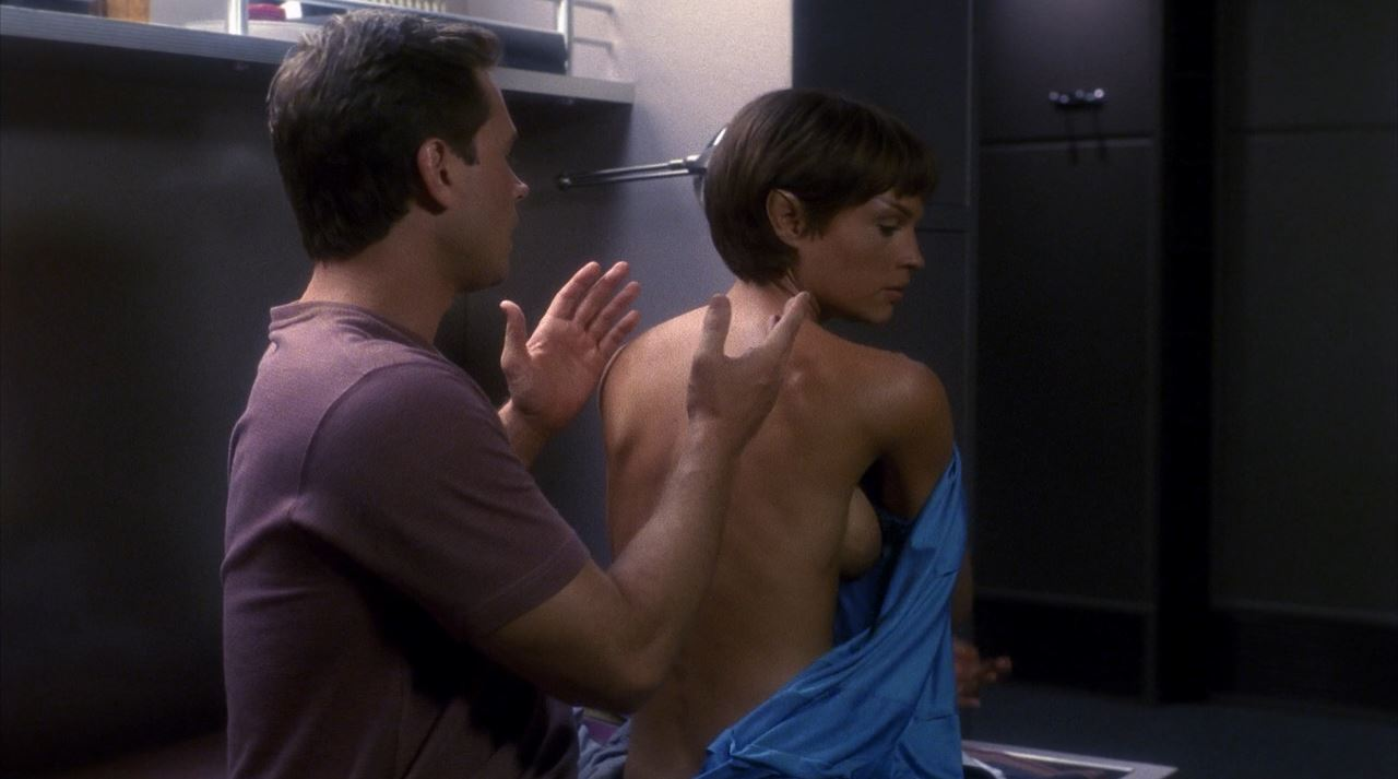 Jolene-Blalock-topless-side-boob-Enterprise-TPol-nude.jpg