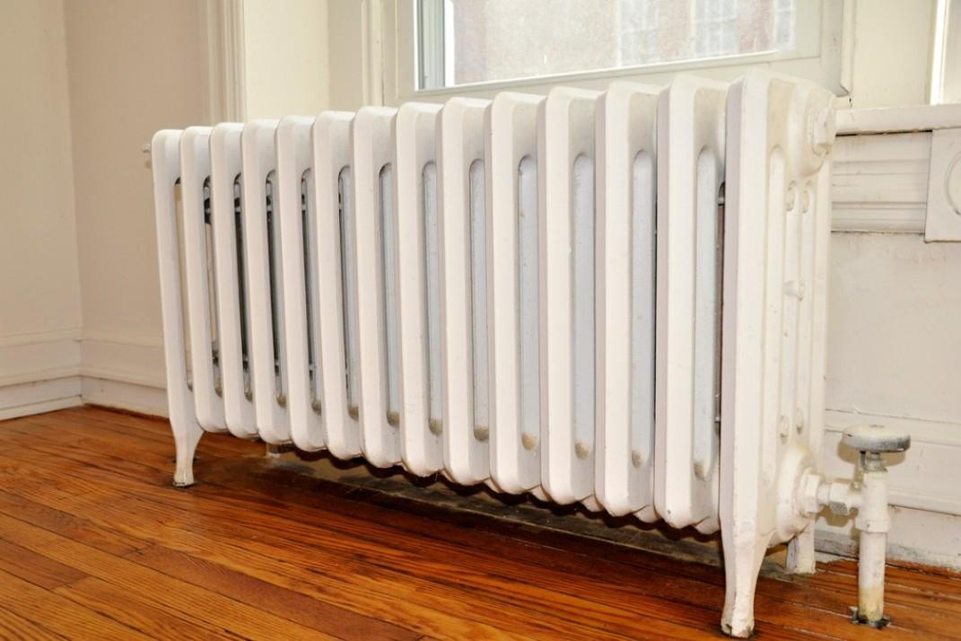 old-heating-radiator-picture-id94733113.jpg